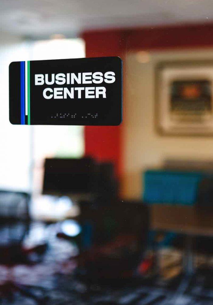 business-center-SFP649N-p6sspro089kw6e8e2isj8pfye2l2rzgj2ouop10xe8 (1)
